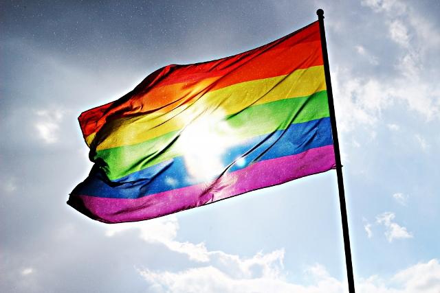 flag-1494846_1920 (640x427)