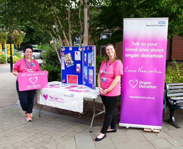 Vikki and Ann by the Organ Donation Stand